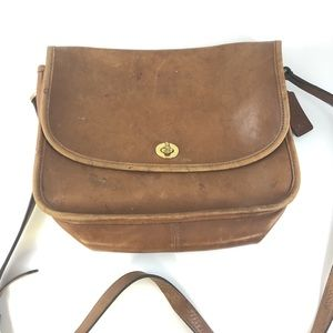 Vintage coach tan soft leather crossbody